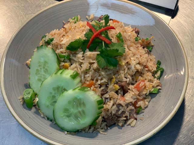 KHAO PAD (beef)